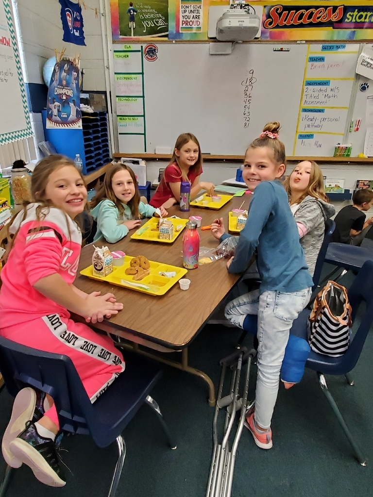Classroom lunch with Mrs. Kenyon